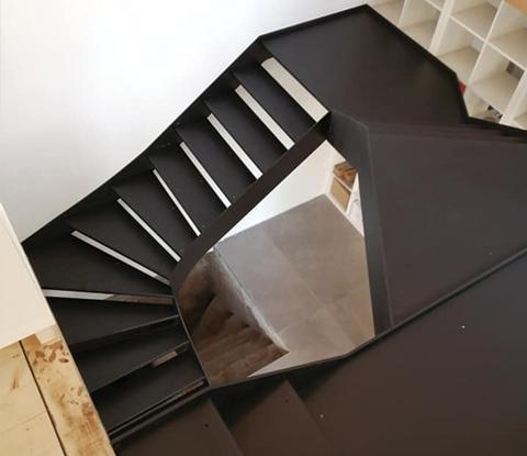 Fabrication et pose d'un escalier