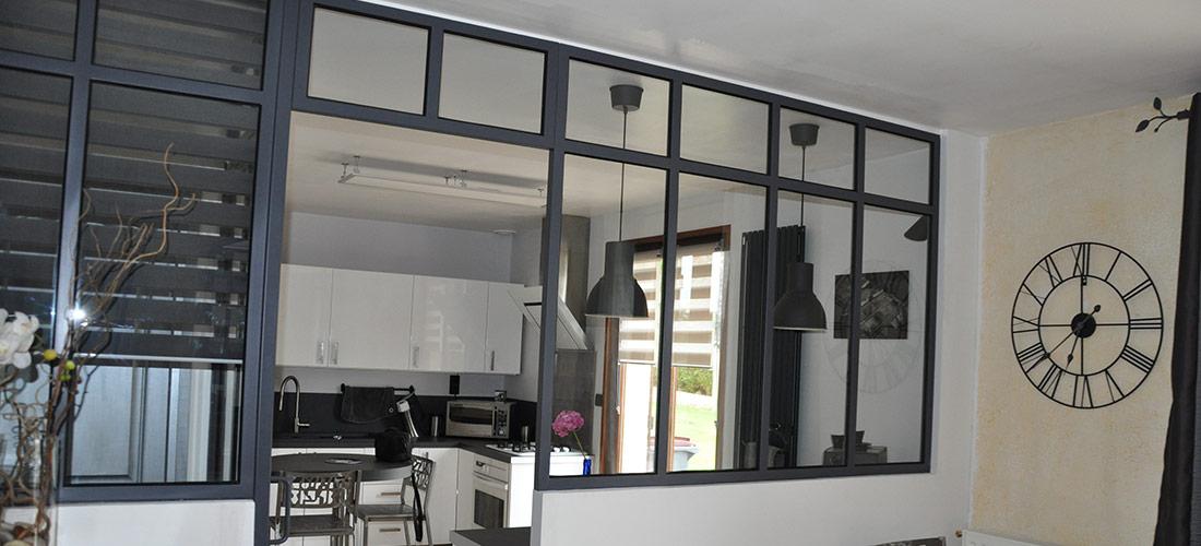 fabrication et restauration de verrières et menuiseries acier. La décoration, création de mobilier