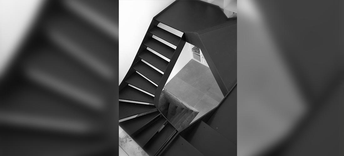 menuiseries acier, escalier métal