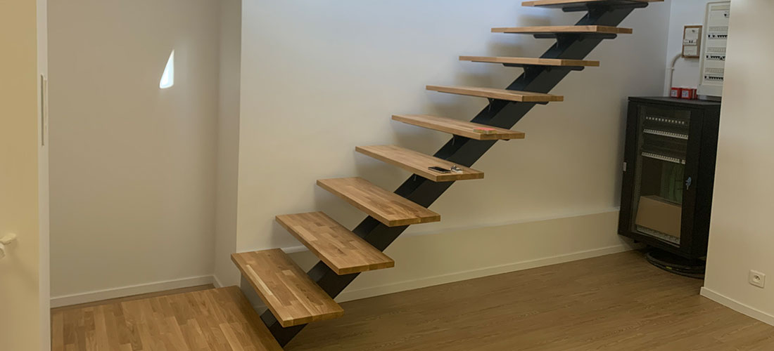escalier en bois et en métal