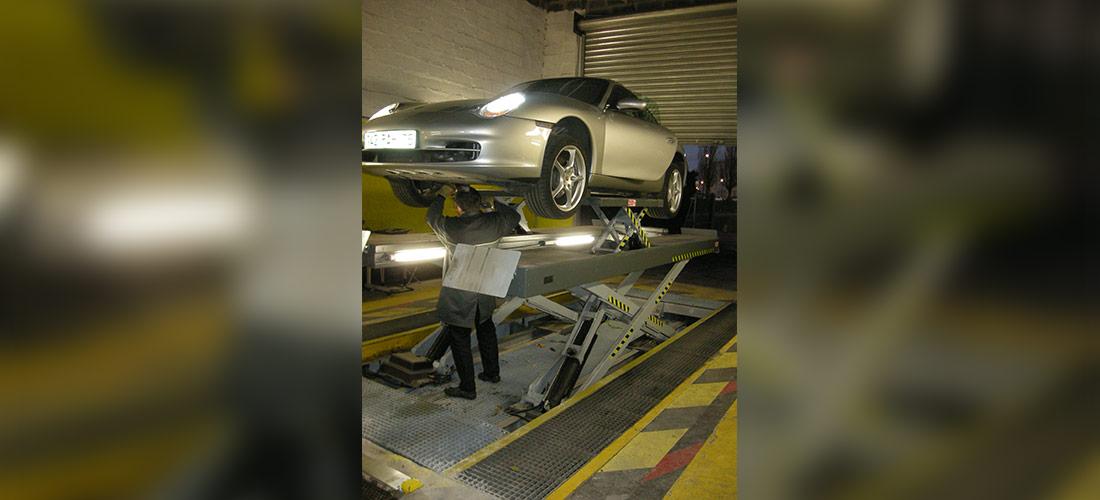 Chariots de manutention spécifiques, rack de stockage spécifiques